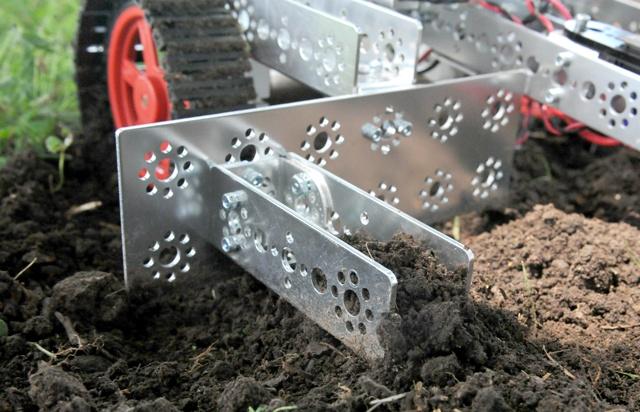 Digging-Bot-640-0617.jpg