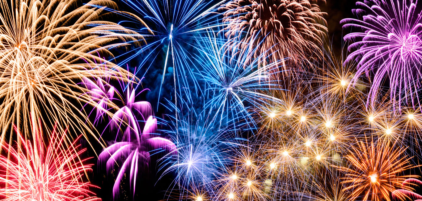 Fireworks-Shape-Color-1366-0618