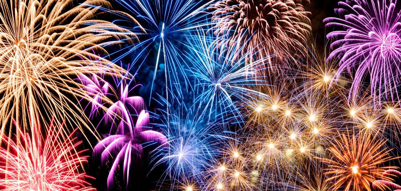 Fireworks-Shape-Color-1366-0618