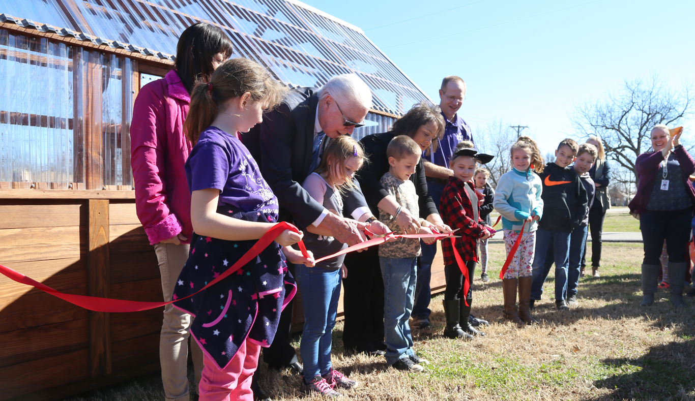 Greenhouse-grand-opening-ribbon-cutting-1366-0418