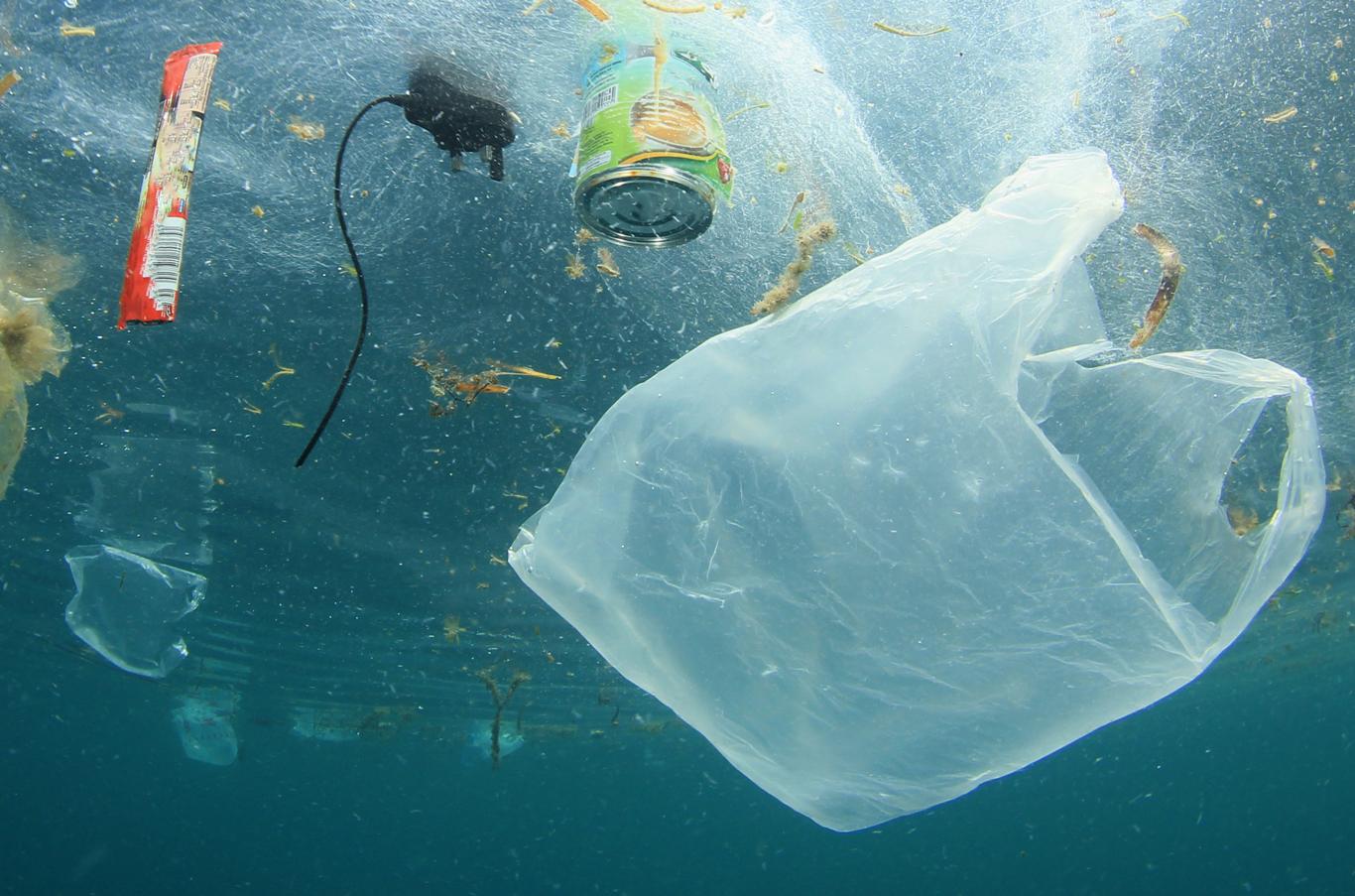 Oceans-garbage-1366-0618