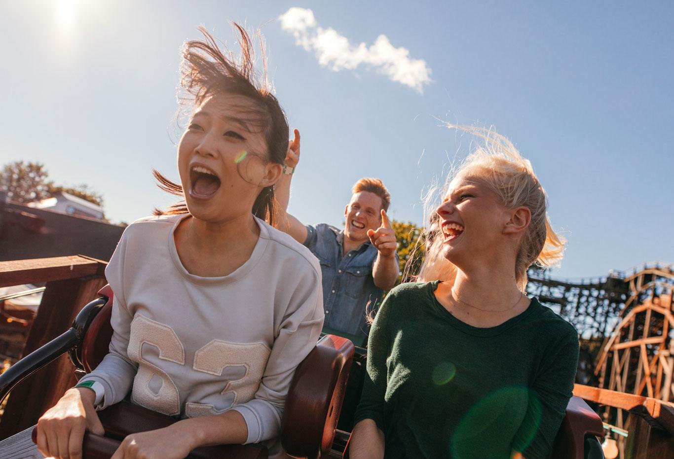 Roller-coaster-weightless-1366-0818