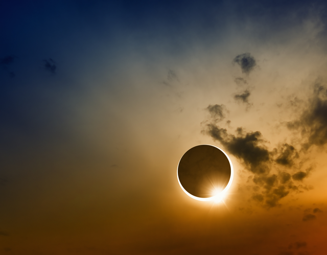 SolarEclipse3-640-0817.png